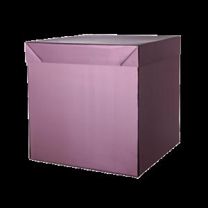 Questa scatola è stata realizzata con cartoncino micro onda e accoppiata con carta stampata e plastificata, la scatola è stata assemblata e incollata a mano.